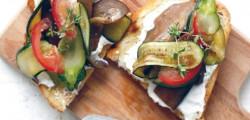 Bruschetta de légumes grillés au chèvre frais