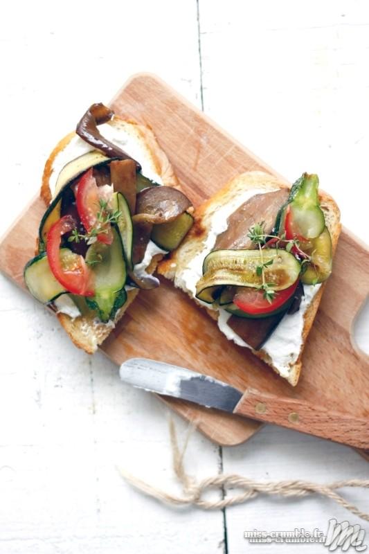 tartine-chevre-frais-legumes-grilles